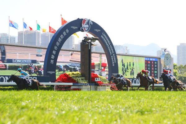 ラッキーライラック(オルフェーヴル産駒)が香港ヴァーズ(GI)で2着に © JBIS